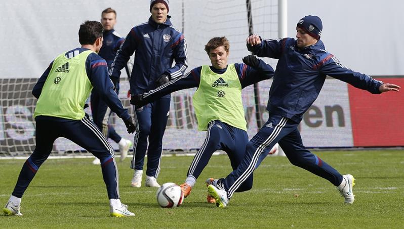 Тренировка сборной России по футболу к ЧЕ-2016